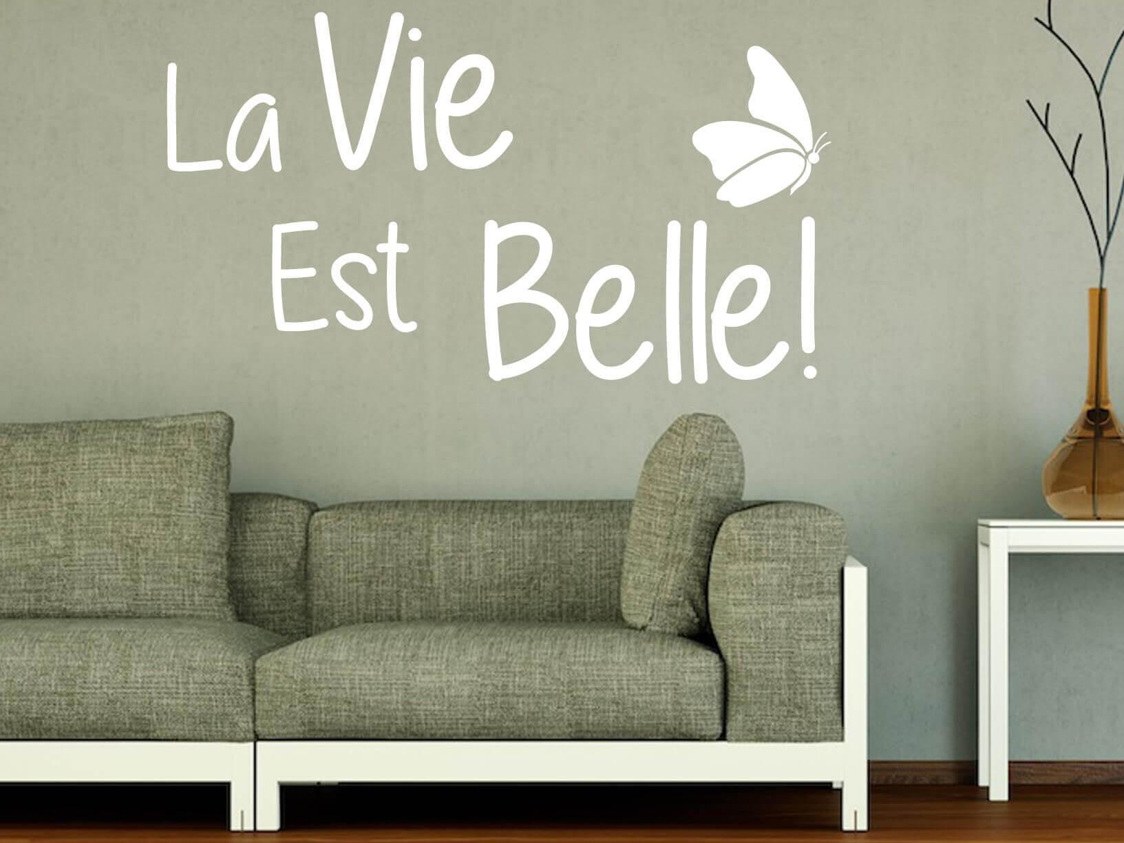 """Muursticker """"La Vie Est Belle!"""" met vlinder"""