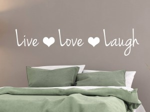 "Muursticker ""Live Love Laugh"" met hartjes"